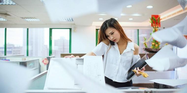 Hogyan lehet bizonyítani, hogy nem munkaviszonyt leplez a kisadózó? 2 perces poszt